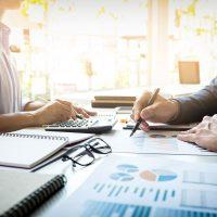 Traducción de textos económicos y documentos financieros